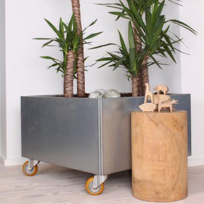 Land Modern 80 x 80 cm plantekumme i galvaniseret stål med hjul
