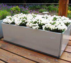 Blomsterkasse i jern fra Land Højbede