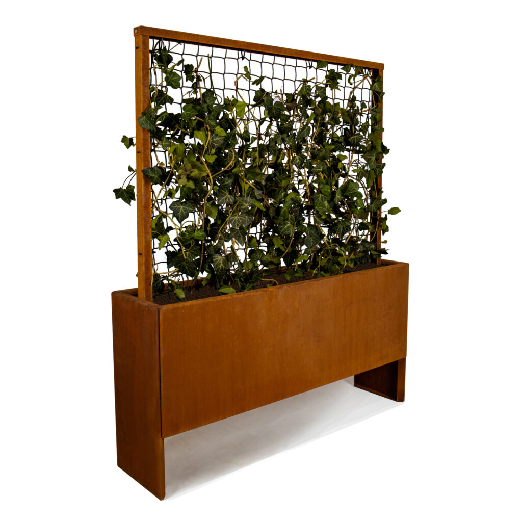 Land Modern Slim plantekasse med espalier i cortenstål der ruster flot