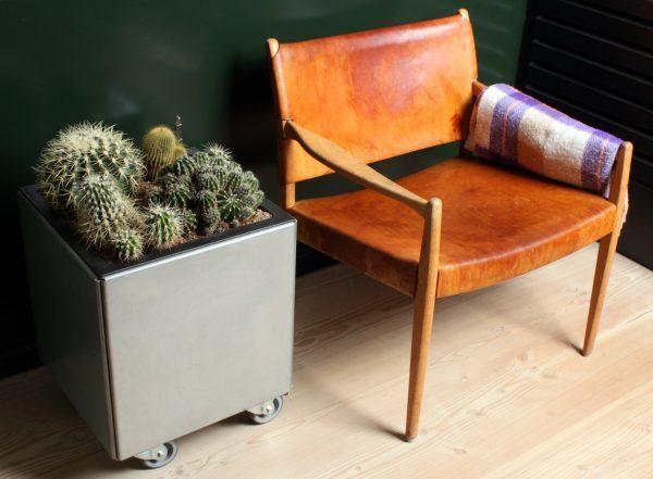 40 x 40 cm plantekumme med hjul fra Land Højbede