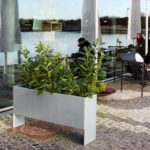 Land Modern Slim - Høj smal blomsterkumme