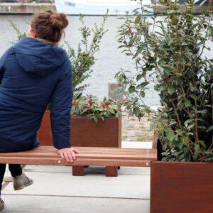 Bænk til land Modern plantekummer fra Land Højbede