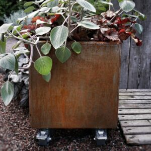 Land Modern kvadratisk plantekasse med hjul fra Land Højbede hos årstidensbästa