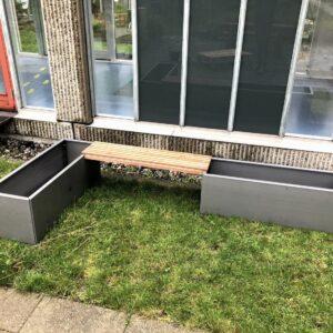 L-formet sæt med bænk i cortenstål og galvaniseret - Land Modern