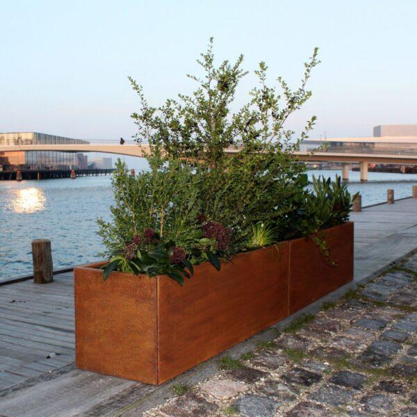 Stor aflang plantekumme fra Land Højbede, 40x240 cm