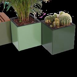 Plantekummer fra Land Højbede 40x40x40 cm med selvvandingsindsats i RAL farverne 6003 Oliven 6011 Reseda og 6020 Chrome grøn