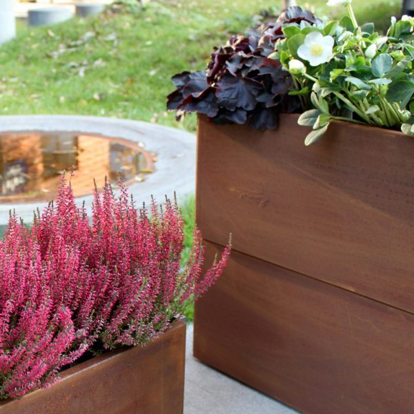 Land Classic altankassemodeller fra Land Højbede kan også bruges på terrassen som smalle plantekasser