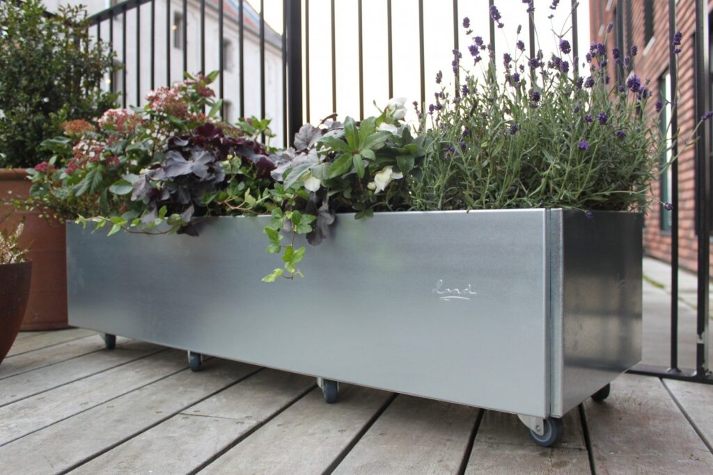 Land Classic 40x120 cm plantekasse med hjul fra Land Højbede